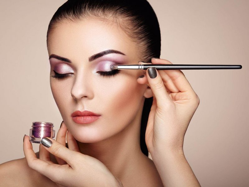 Colour Cosmetics Glitter Eyeshadow Woman